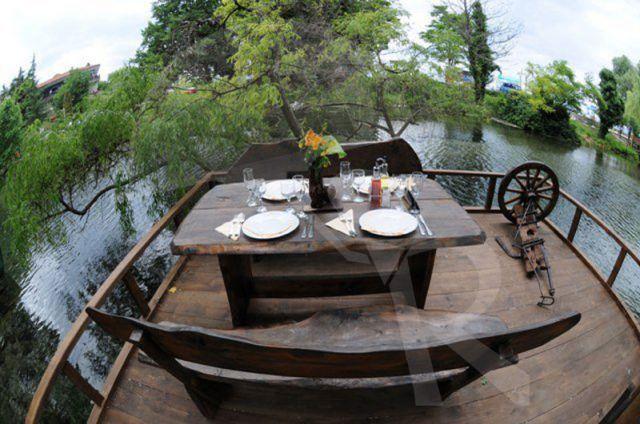 Ostrovo Restaurant