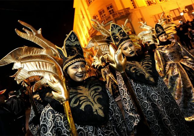 Carnival Maks