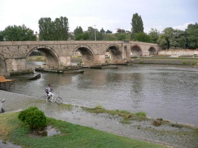 Vardar_Stone_Bridge_Skopje